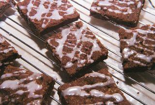 Tarragon And Macadamia Chocolate Shortbread With Hypnotq Liqueur Glaze 3