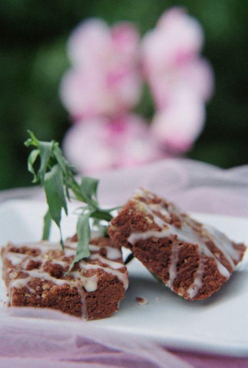 Tarragon And Macadamia Chocolate Shortbread With Hypnotq Liqueur Glaze 6