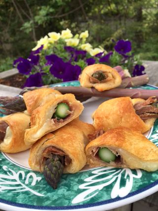 Purple asparagus and country ham crescent rolls 1