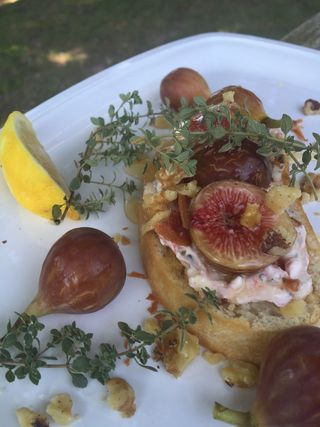 Honey Bourbon Fig And Bacon Crostini 8 15.45.22