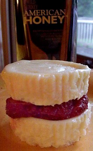 Vanilla ginger cookie cheesecake with honey bourbon strawberries 1