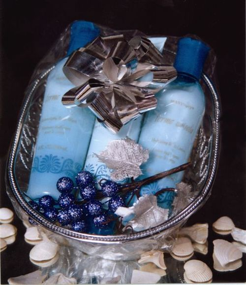 Gift basket blue