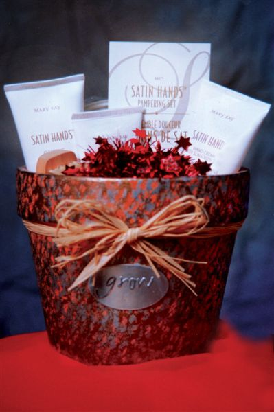Gift basket red